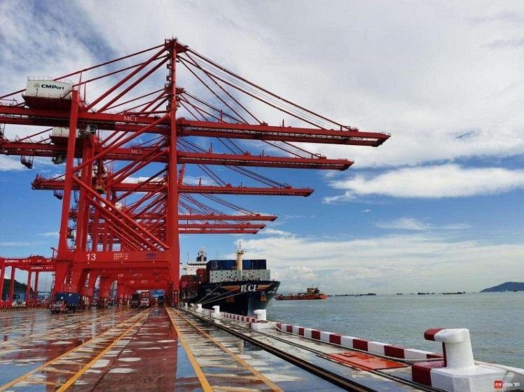打造全国领先智慧型港口