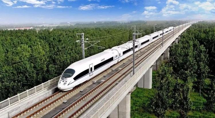 多趟高铁动车可直达深圳火车站